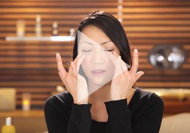 eye massage - L'Occitane