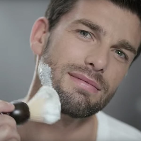 Man shaving - L'Occitane
